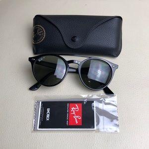 Ray-Ban Black Sunglasses